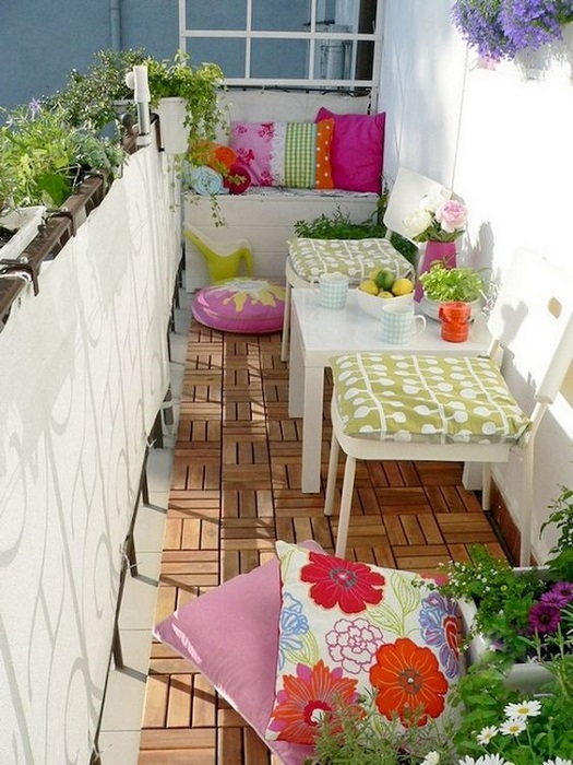 5 Awesome Tips To Decorate Small Balcony For Welcoming Spring