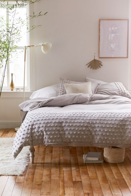 Take A Look At Modern Vintage Bedroom Design Ideas Completed By Wooden Accent