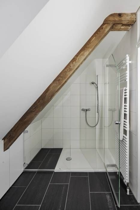 15 Chic And Modern Attic Bathroom Interior Design Ideas To Refresh Your Mood